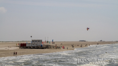 St. Peter Ording, Surfverleih am Strand, windsurfen, kitesurfen