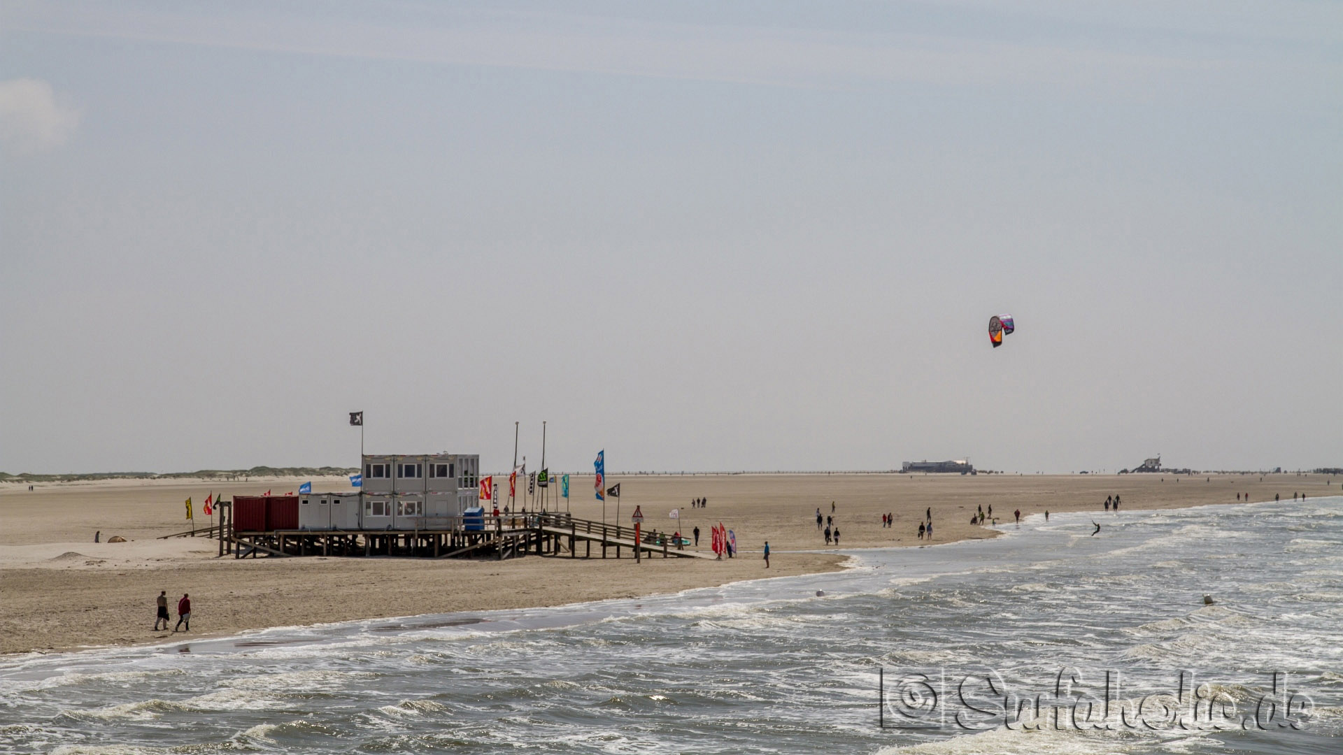 photos kategorie eiderstedt bild st peter ording chillen am strand. Black Bedroom Furniture Sets. Home Design Ideas