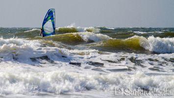 Hvidbjerg Strand, Blåvand, Dänemark, Windsurfen bei Westwind