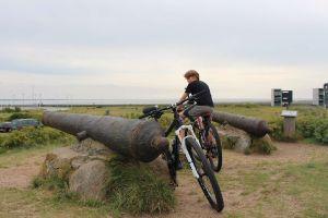 Rømø, Flautenbeschäftigung Fahrradtour zu den Kanonen
