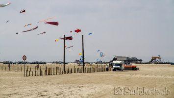 St. Peter Ording, Pfahlhäuser am Strand, windsurfen, kitesurfen