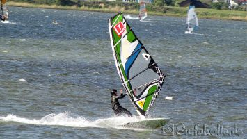 Fehmarn, windsurfen in Gold. G199