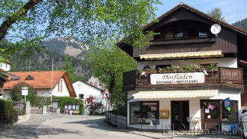 Der Dorfladen und Dorfmittelpunkt in Walchensee