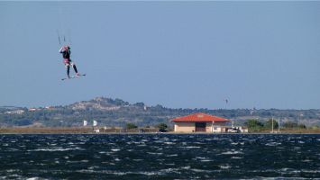 Etang de Leucate, Kitesurfer vor der Ile des Pêcheurs