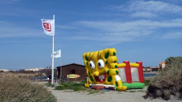 Leucate, Ile des Pêcheurs, Spongebob-Hüpfburg