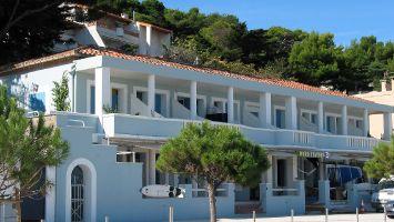 La Franqui, Hotel und Surfshop