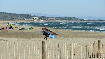 La Franqui, Leucate, breiter Strand mit Platz für Kitesurfer und Windsurfer.