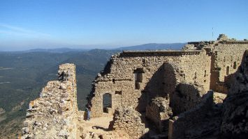 Château de Peyrepertuse, auf dem Gipfel bei 800m