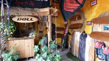 Doll Kiteboarding Leucate,Surfshop
