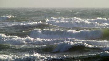 Mittelmeer bei Barcarès / Leucate bei Ostwind 6-7 bft