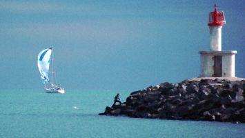Leuchturm und Segeln vor Cap d Agde