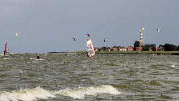 Hindeloopen, Kiter bleiben eher im nördlichen Teil der Bucht