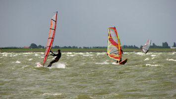 Hindeloopen, Windsurfen vor Camping Schuilenburg