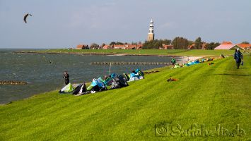 Kitesurfen in Hindeloopen auf dem Ijsselmeer