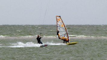 Workum, Windsurfer & Kiteurfer - geht doch! ;-)