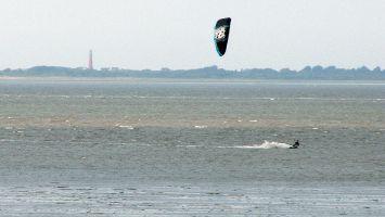 Kitesurfen auf der Nordsee bei Lauwersoog