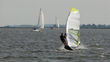 Windsurfen auf dem Lauwersmeer. Starboard Go & North Ram