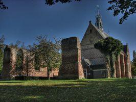 Bergen, Kirchenruine