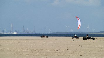 Renesse, Kitebuggy am Strand von Ouddorp