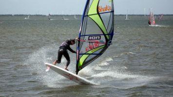 Freestyle auf dem Veluwemeer bei Strand Horst
