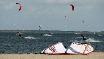 Kiter bei Strand Horst, Veluwemeer