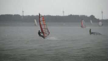 Strand Horst, Schauer mit heftigem Wind