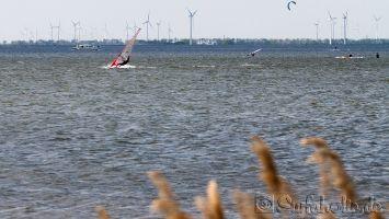 Windsurfen in Harderwijk, Strand Horst bei Ostwind