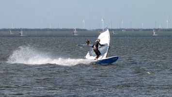Windsurfen in Strand Horst, Harderwijk, Veluwemeer