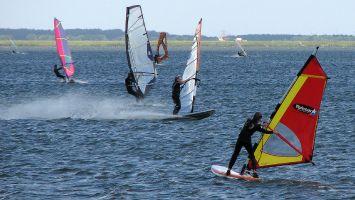 Windsurfer auf dem Veluwemeer bei Strand Horst