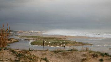 Strand von Hostal arte vida Richtung Tarifa bei Swell