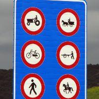 Achtung: Keine Eselkarren auf andalusischen Autobahnen! Tarifa, Spanien