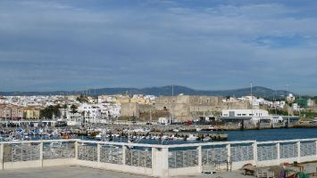 Blick vom Hafen (Playa Chica) auf Tarifa