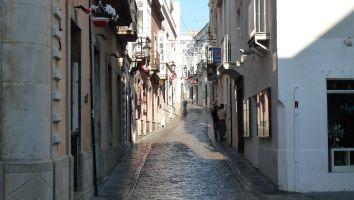 Gassen der Altstadt von Tarifa, Andalusien