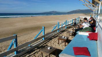 Tarifa, Andalusien, Costa del Luz, Strandcafé