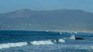 Tarifa, Los Lances, Wellenreiten