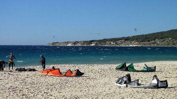 Tarifa, Kitesurfen am Atlantikstrand bei Valdevaqueros