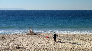 Tarifa, Windsurfen am Atlantikstrand bei Valdevaqueros