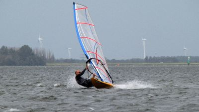 Windsurfen in Strand Horst, September 2011