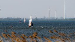Windsurfen in Strand<br />Horst, Harderwijk, April<br />2014
